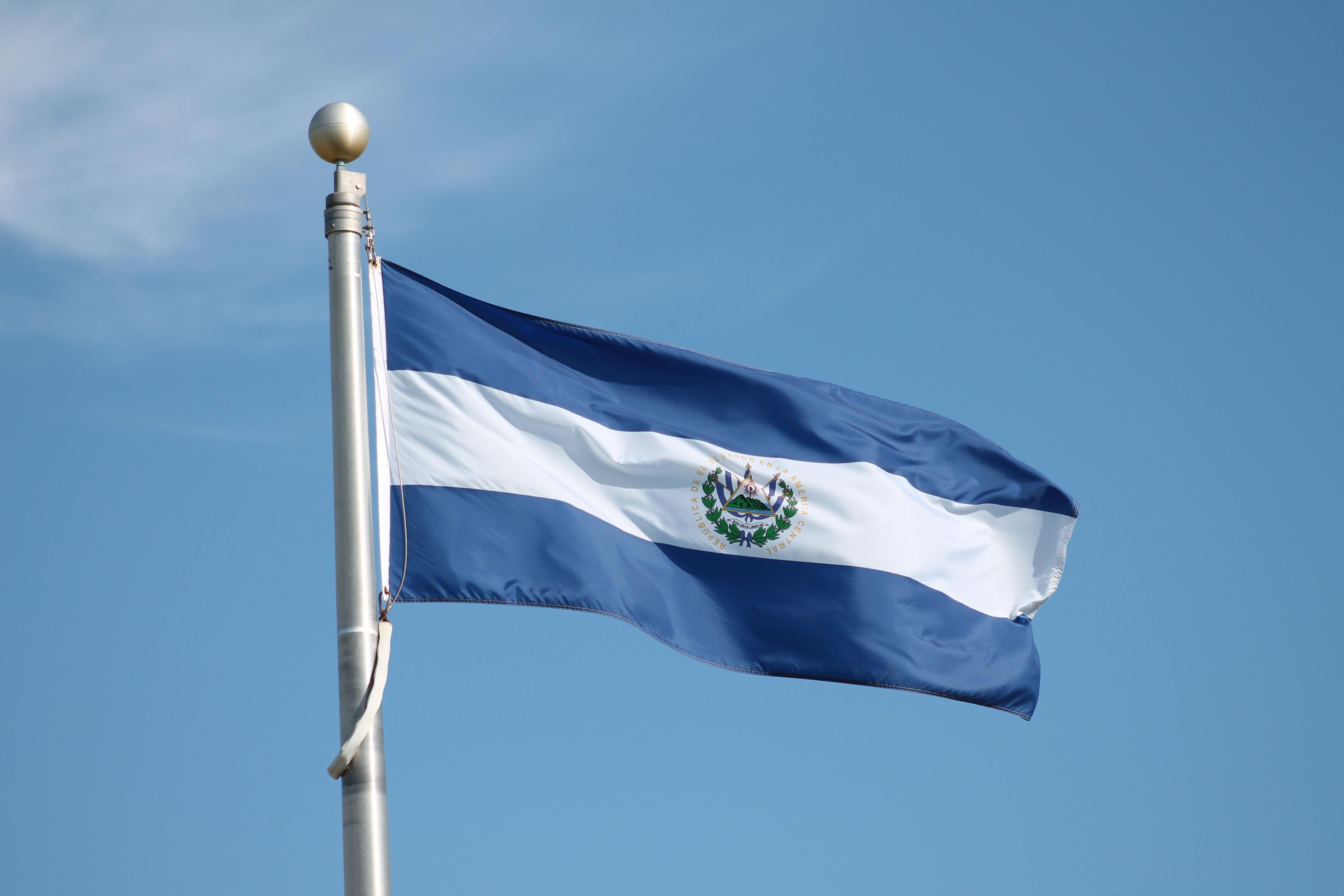 ¿Por qué Estados Unidos canceló el TPS a miles de salvadoreños?