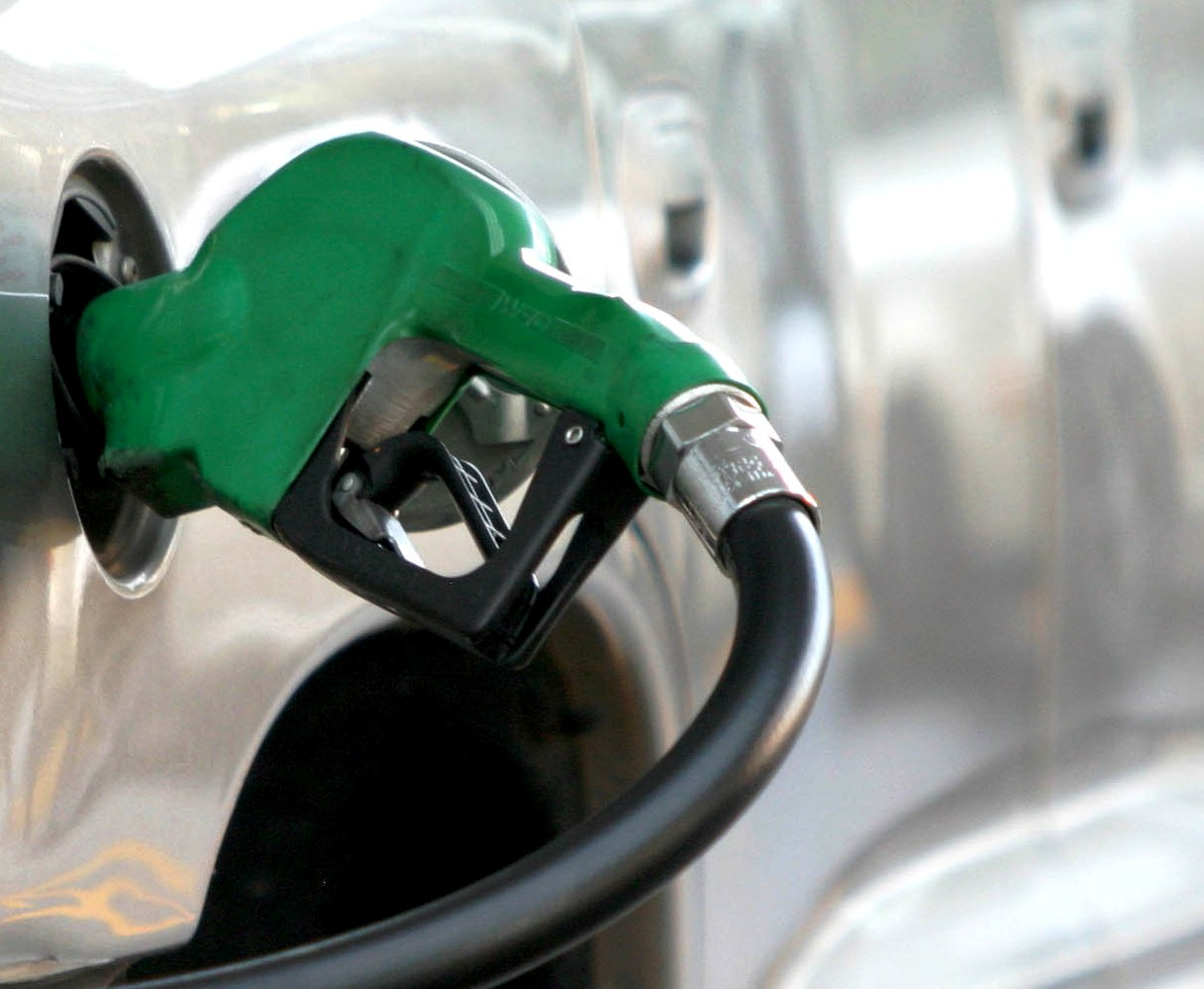 El Salvador: precios de los combustibles bajan a partir de este martes