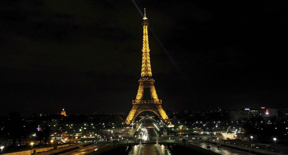 Hoteles de París sufren caída del turismo chino por coronavirus