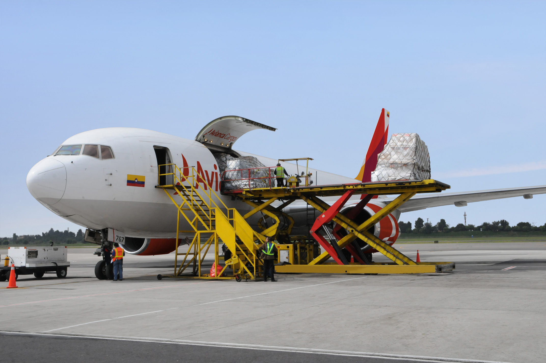 Aumento de comercio electrónico satura transporte aéreo guatemalteco por temporada navideña
