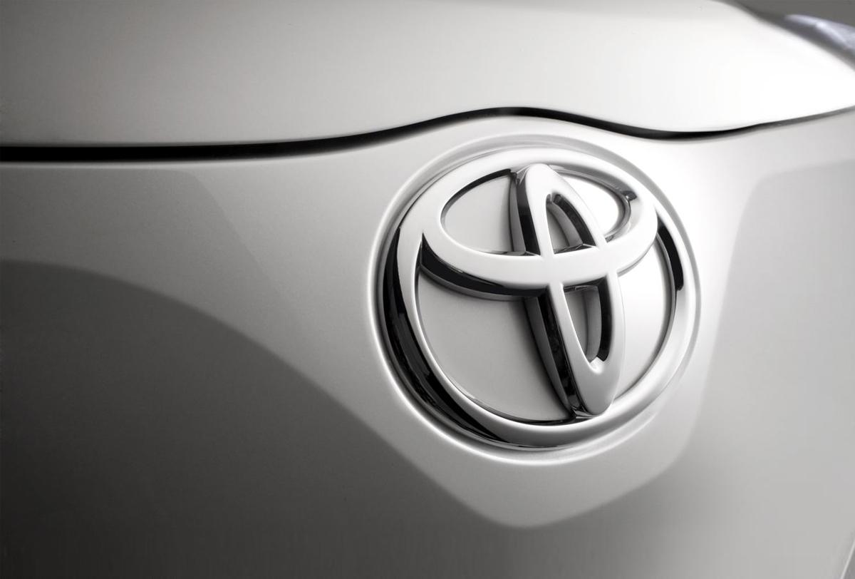 Toyota venderá autos semi autónomos en 2020
