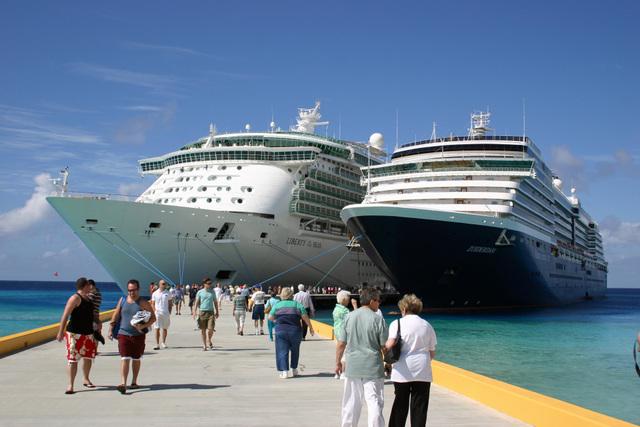 Nicaragua recibe dos cruceros en el Pacífico con casi 3.000 turistas