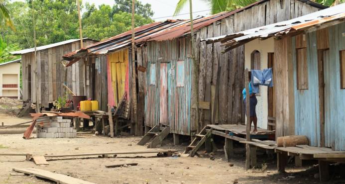 Desastres naturales siguen arrastrando a la pobreza a millones de personas cada año
