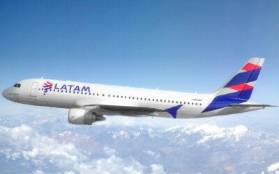 Aerolínea Latam retomará el 33 % de sus operaciones en noviembre