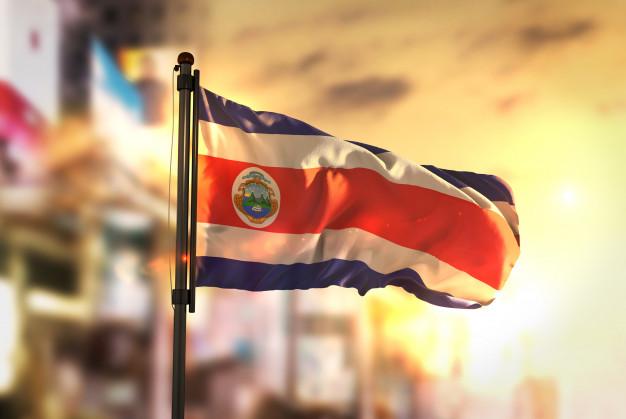 Costa Rica cumple tres días de huelga con marcha contra reforma fiscal