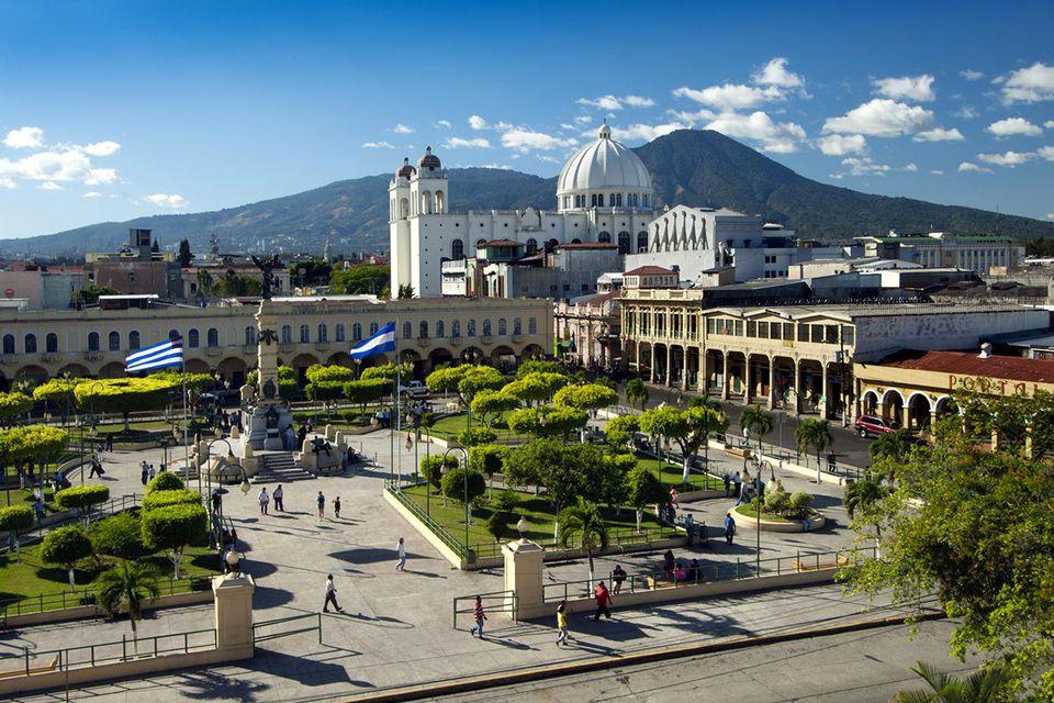 El Salvador: Mejora la confianza empresarial: ¿será temporal o podrá ser más duradera?