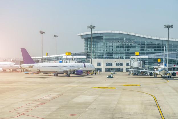 Desarrollar el transporte aéreo en la región es crucial