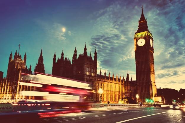 Parlamento británico rechaza acuerdo de salida de Unión Europea