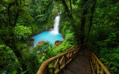 Costa Rica propondrá a Estados Unidos cambiar calificación turística al país