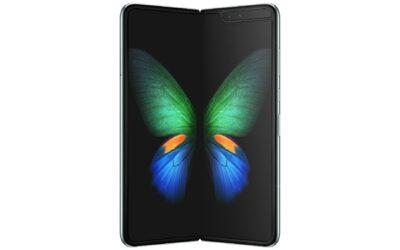 Smartphones de serie plegable de Samsung atrae la atención de consumidores por su factor de forma único