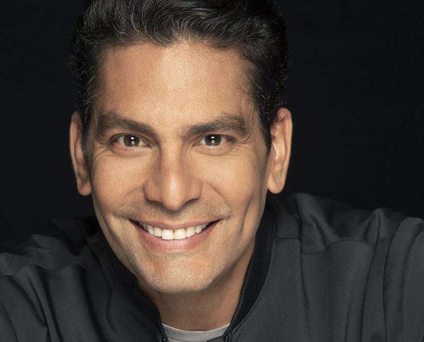 Ismael Cala presenta academia virtual con cursos sobre emprendimiento, liderazgo y superación