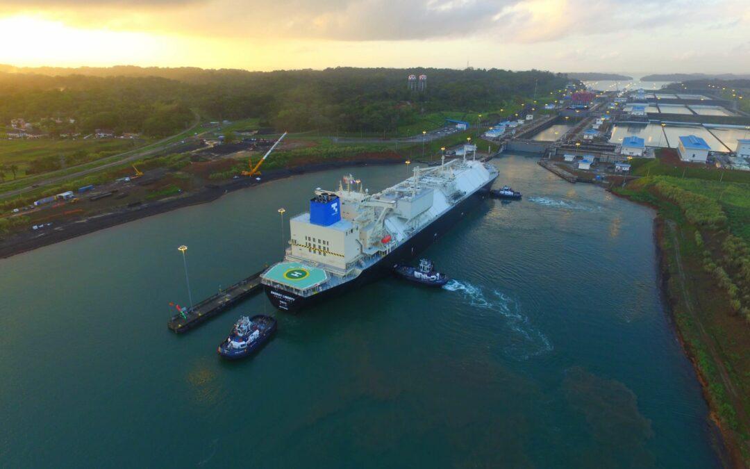 Crecen 3.8% los ingresos por peajes del Canal de Panamá