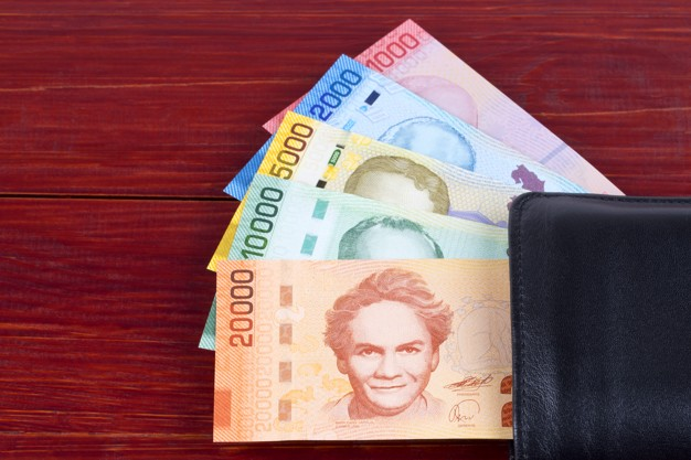 Costa Rica: Gobierno plantea solución integral a alto endeudamiento de la población