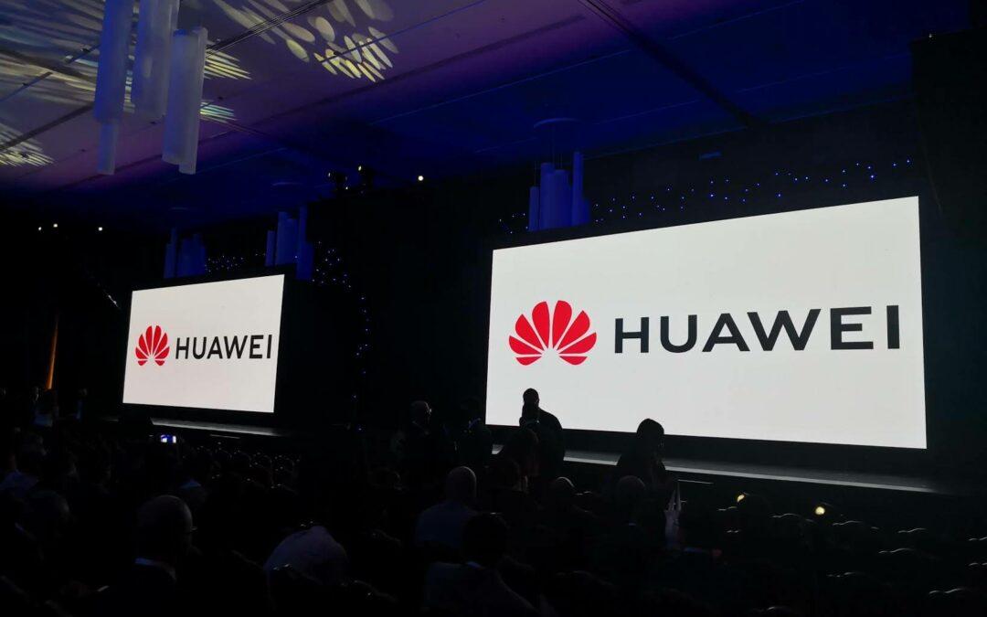 Huawei pierde su liderazgo mundial en móviles y sale del 'top 5' tras 2 años de veto