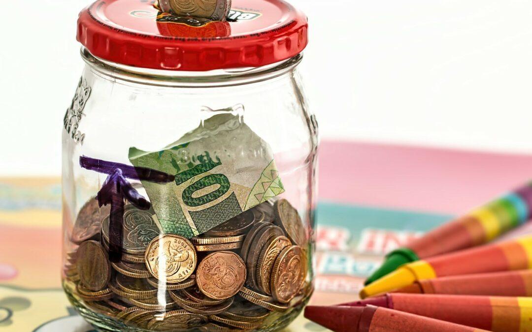 Destine al menos 10% de sus ingresos para el ahorro