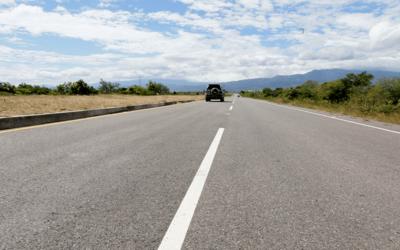 Honduras acelerará mejoramiento de carreteras en todo el país