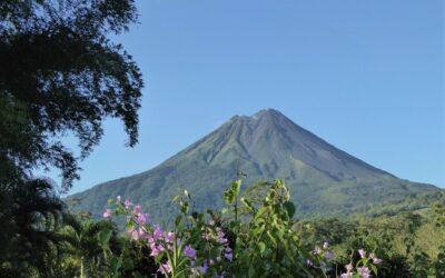 Costa Rica espera recibir unos 300.000 visitantes en diciembre tras reapertura aérea de fronteras