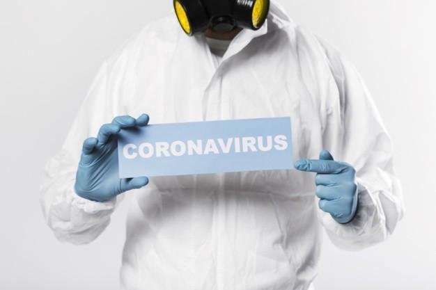 """Farmacéuticas prevén vacuna contra el coronavirus accesible """"en todo el mundo"""" en 18 meses"""
