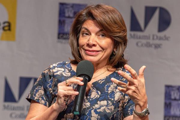 Expresidenta de Costa Rica Laura Chinchilla aspirará a la presidencia del BID