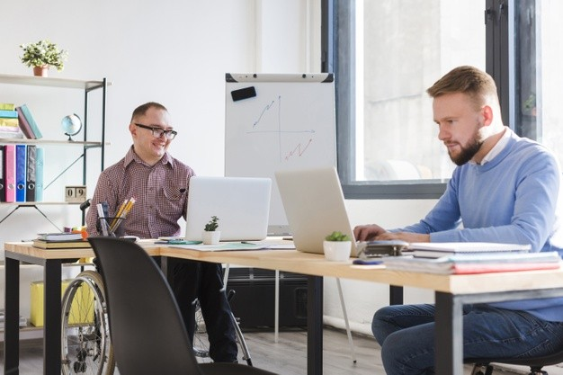 Más trabajo y menos habilidades: así acentúa el COVID-19 los riesgos laborales