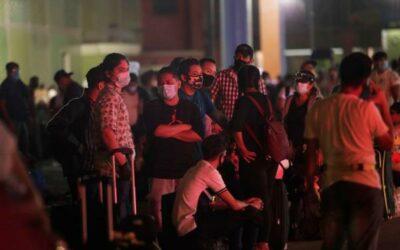 Caravana de nicaragüenses no consigue salir de Panamá por falta de permisos
