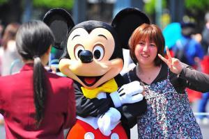 Reabren los parques de Disney en Tokio después de cuatro meses cerrados