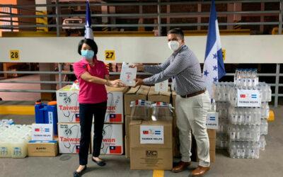 Taiwán entrega donativo de bioseguridad a Honduras