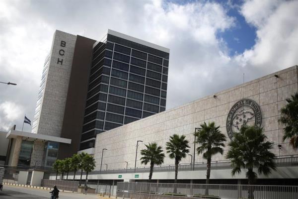 Déficit comercial hondureño baja en 6 meses gracias al alza de exportaciones