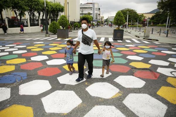 El Salvador apela a la responsabilidad de los ciudadanos ante la reapertura de la economía