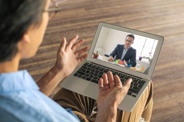 ¿Cómo ser exitoso en una entrevista virtual?