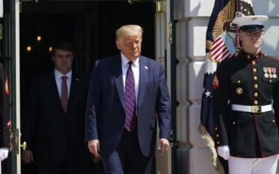 Trump restringe la contratación de extranjeros en el Gobierno de EE.UU.