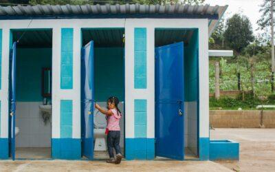 """Programa """"Baños Cambian Vidas"""" beneficiará a más de 40.000 personas en América Latina"""