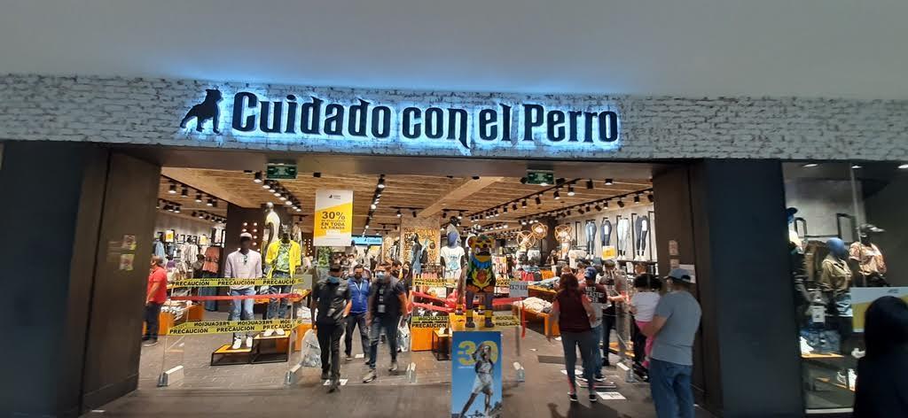 Marca mexicana «Cuidado con el perro» abre su primera tienda en Centroamérica