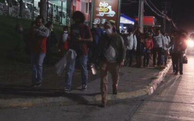Caravana de hondureños sale hacia EE.UU. tras el paso de Eta e Iota