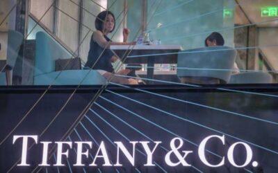 Accionistas de Tiffany aprueban la oferta de LVMH a un precio más bajo