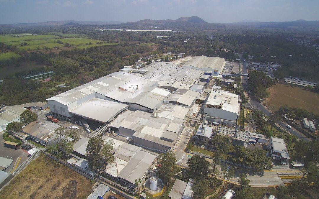 Kimberly-Clark invierte US$18 millones en su planta en El Salvador
