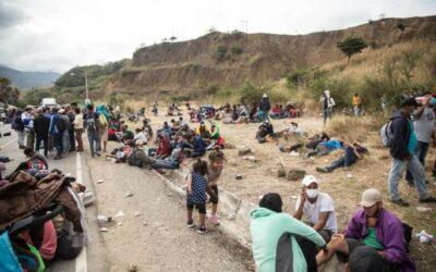 Honduras exhorta a Guatemala a investigar represión contra migrantes