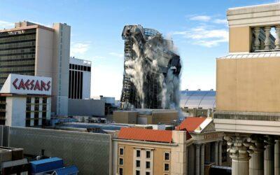 Casino que Trump levantó en Atlantic City, reducido a escombros