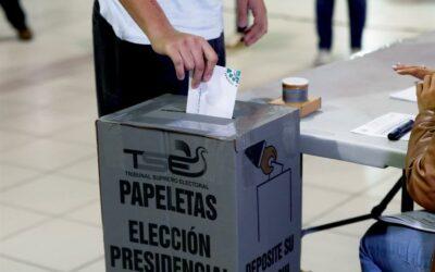 El Salvador comienza el reparto de paquetes electorales para los próximos comicios