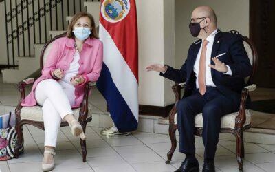 Costa Rica y España homenajean a empresas españolas por su apoyo contra el Covid