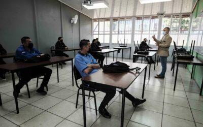 Defensoría pide suspender clases ante el aumento de casos de covid en Costa Rica