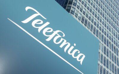 Telefónica cae más del 2 % en bolsa tras vender su filial en El Salvador
