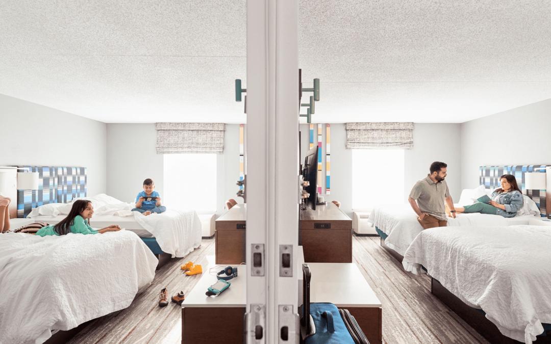 Hilton introduce la confirmación instantánea para habitaciones conectadas