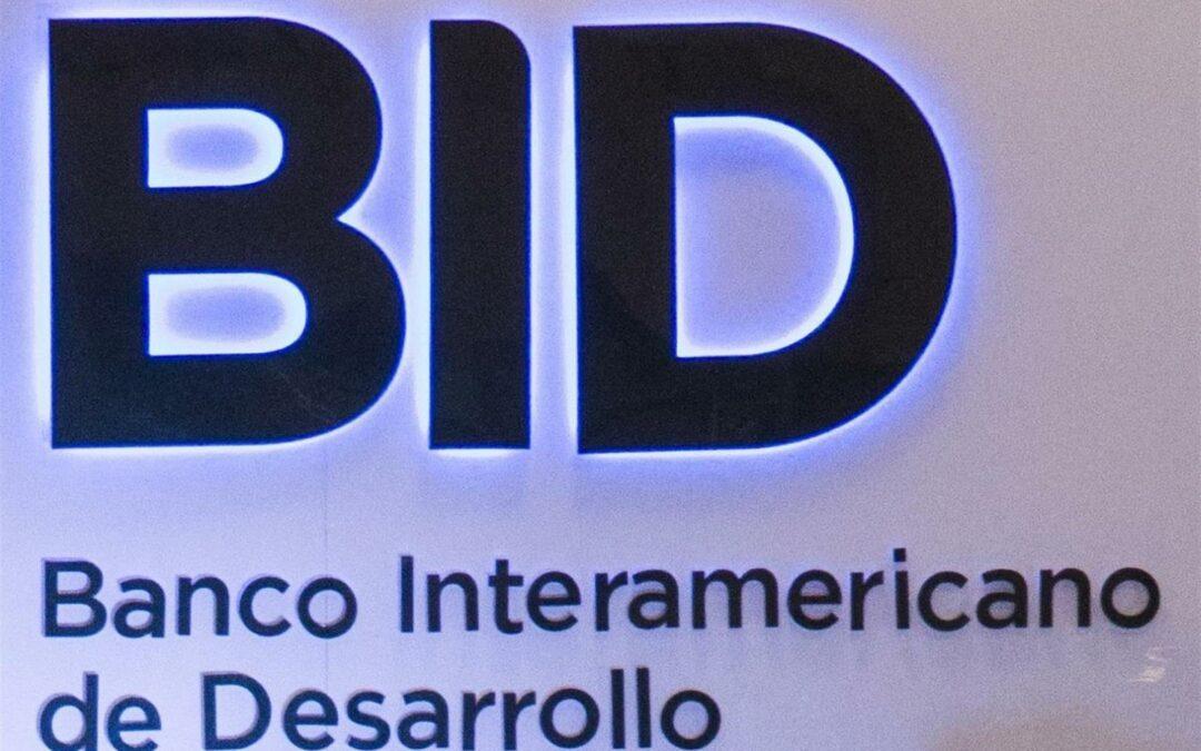 Costa Rica y el BID firman créditos por US$500 millones para el apoyo fiscal