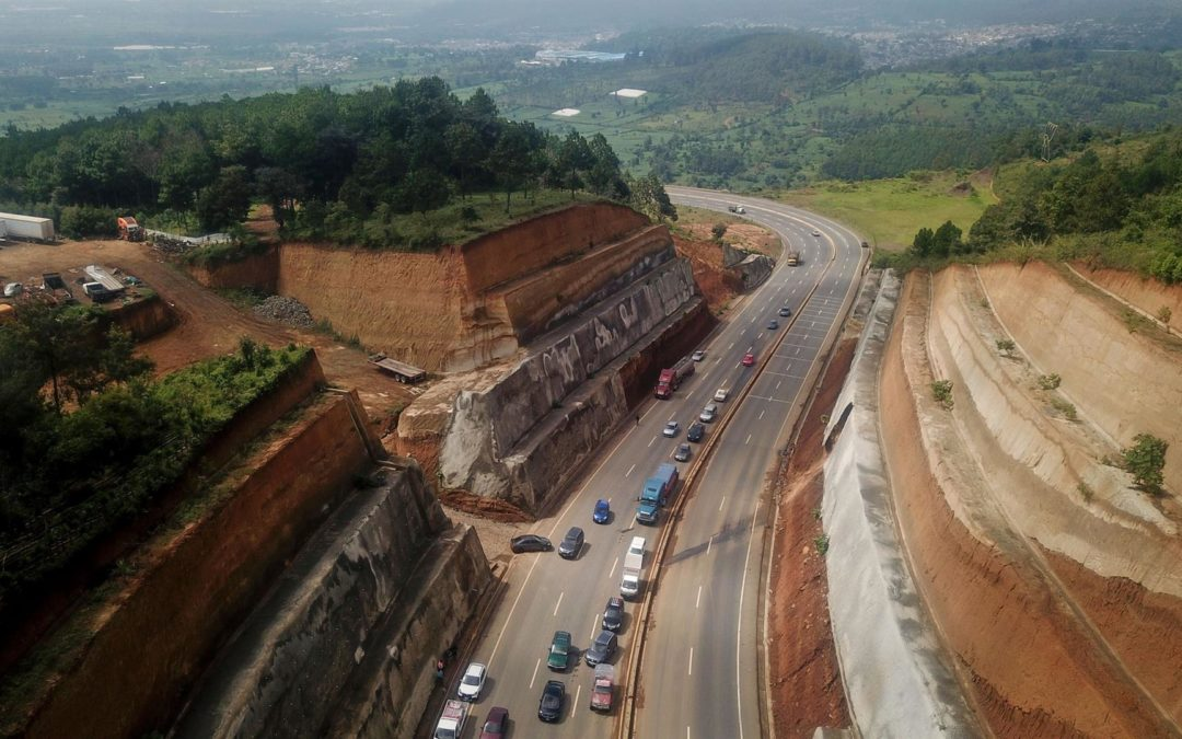 Guatemala: Autopista de US$68 millones se desmorona con las lluvias