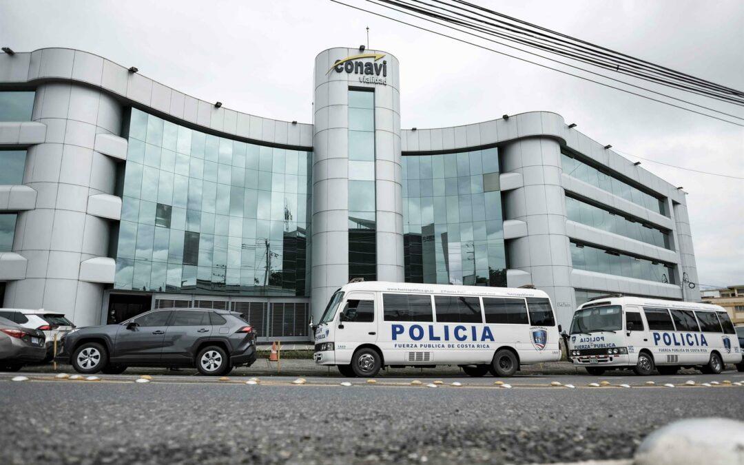 Detienen a empresarios y funcionarios por supuesta corrupción en Costa Rica