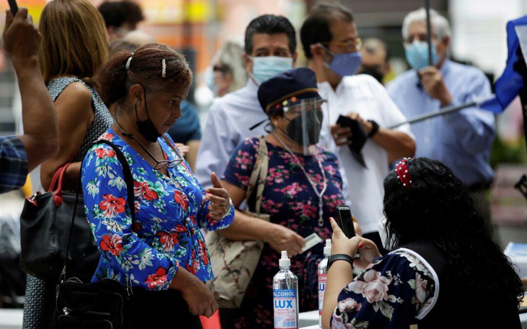 Movimiento ciudadano de Panamá recoge firmas para reformar la Constitución