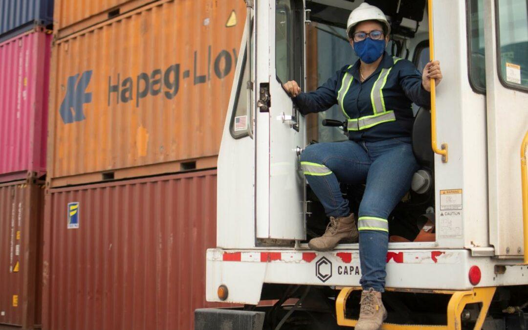 Costa Rica: Trabajo portuario, una oportunidad en las costas para el empleo femenino