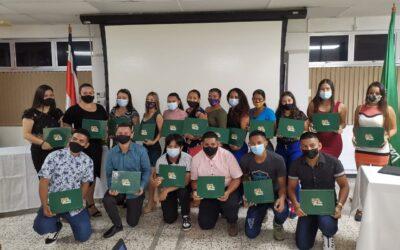 Costa Rica: Industria bananera gradúa a segundo grupo de jóvenes de programa Empléate