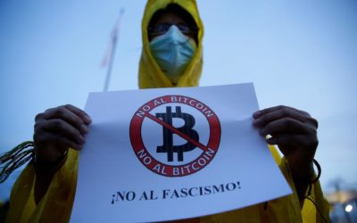 Salvadoreños muestran desinterés y rechazó al bitcóin, según encuestas